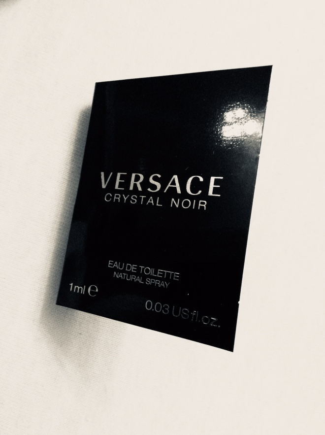 Versace - Crystal Noir | photo by BonjourPerfume