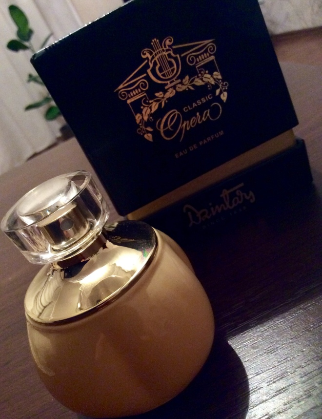 Dzintars - Opera Classic | photo by BonjourPerfume