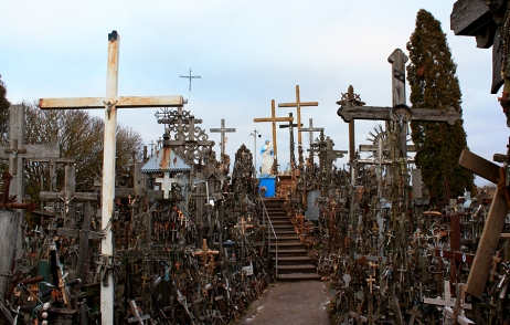 Hill of Crosses in Lithuania | photo by BonojourPerfume